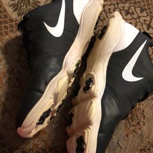 Nike Shoes - Nike golf shoes size 7Y great condition